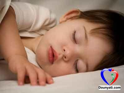 نصائح لتنظيم نوم الطفل